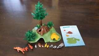Children toys - playmobil 4204 Forest Lodge Forest Animals with Cave