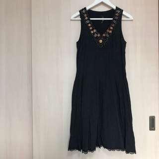 Veeko Black Dress