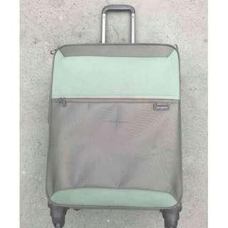 SAMSONITE Lightweight Medium Soft Case Luggage