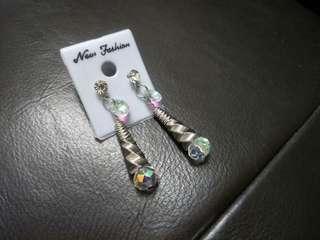Spiral Dazzling Earrings #PRECNY60