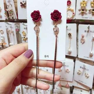 <free pos 3 pairs & above> Korean design red rose long earring with pearl