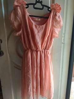Peachy dress pita