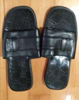 80% new Gucci men slipper (size 42E)