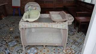 Ingenuity Wahsable Playard Deluxe with Dream Center