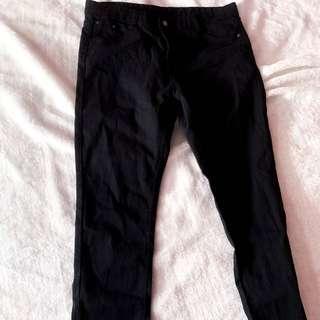 🚚 Black Jeans
