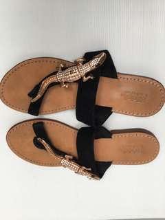 ET Club sandals