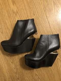 Salad geometric platform boots
