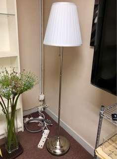 IKEA Floor Lamp 座地燈