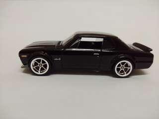 Hotwheels Skyline 2000 gtx hakosuka ( loose custom rubber tyre)