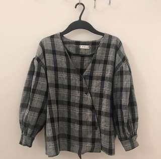 🚚 氣質灰格子上衣(可單穿也可當襯衫)