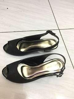 Sepatu cantik merk vizzano
