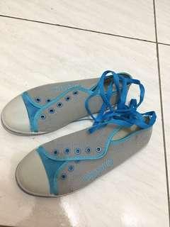 Sepatu cwek wrn biru