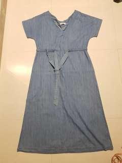 🚚 The Editor's Market Denim Maxi Dress