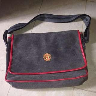 Manchester United Official Merchandise Sling Bag