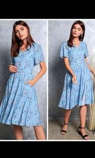 BN The Stage Walk TSW Miranda Floral Wrap Midi Dress in Blue in XS