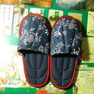 男生室內拖鞋(買1送1免郵寄)