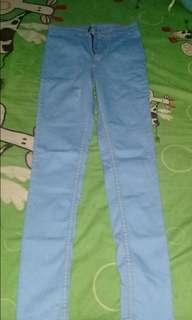 Jeans HW! Biru mudah Uk.28