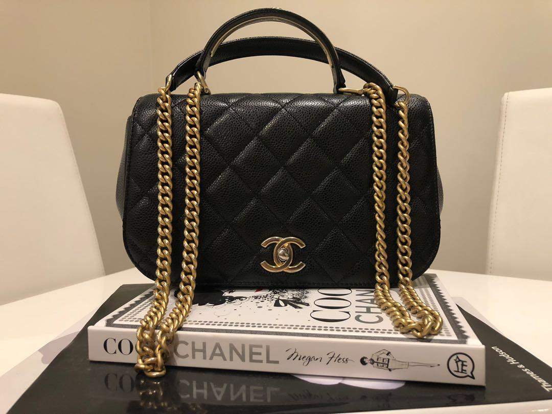 AUTHENTIC CHANEL CARRY AROUND FLAP BAG WITH HANDLE