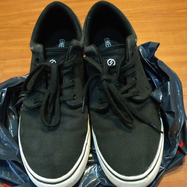 9fdfd05fb7a567 Black Canvas Sneakers
