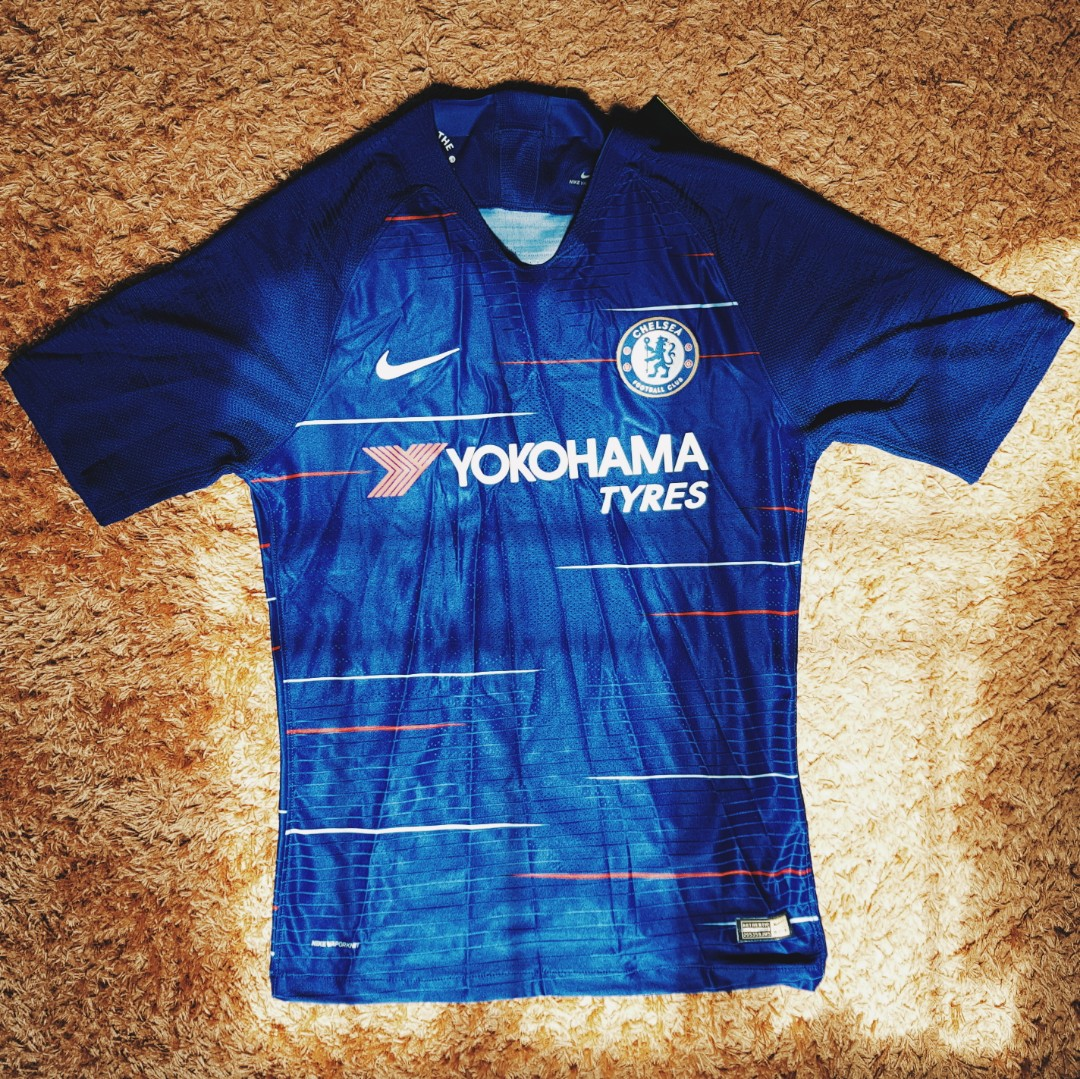 3e26ee747d3 Chelsea Home Jersey 18 19 ⭕