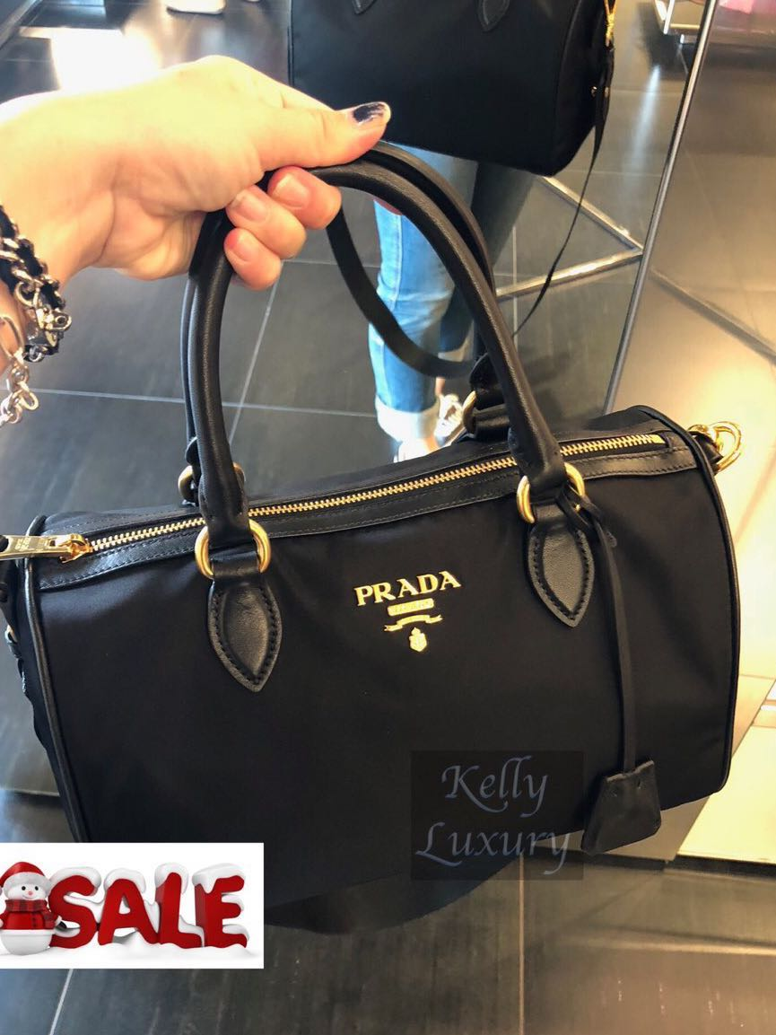 f68f5e42485b Christmas sale! Preloved Prada handbag 95% new
