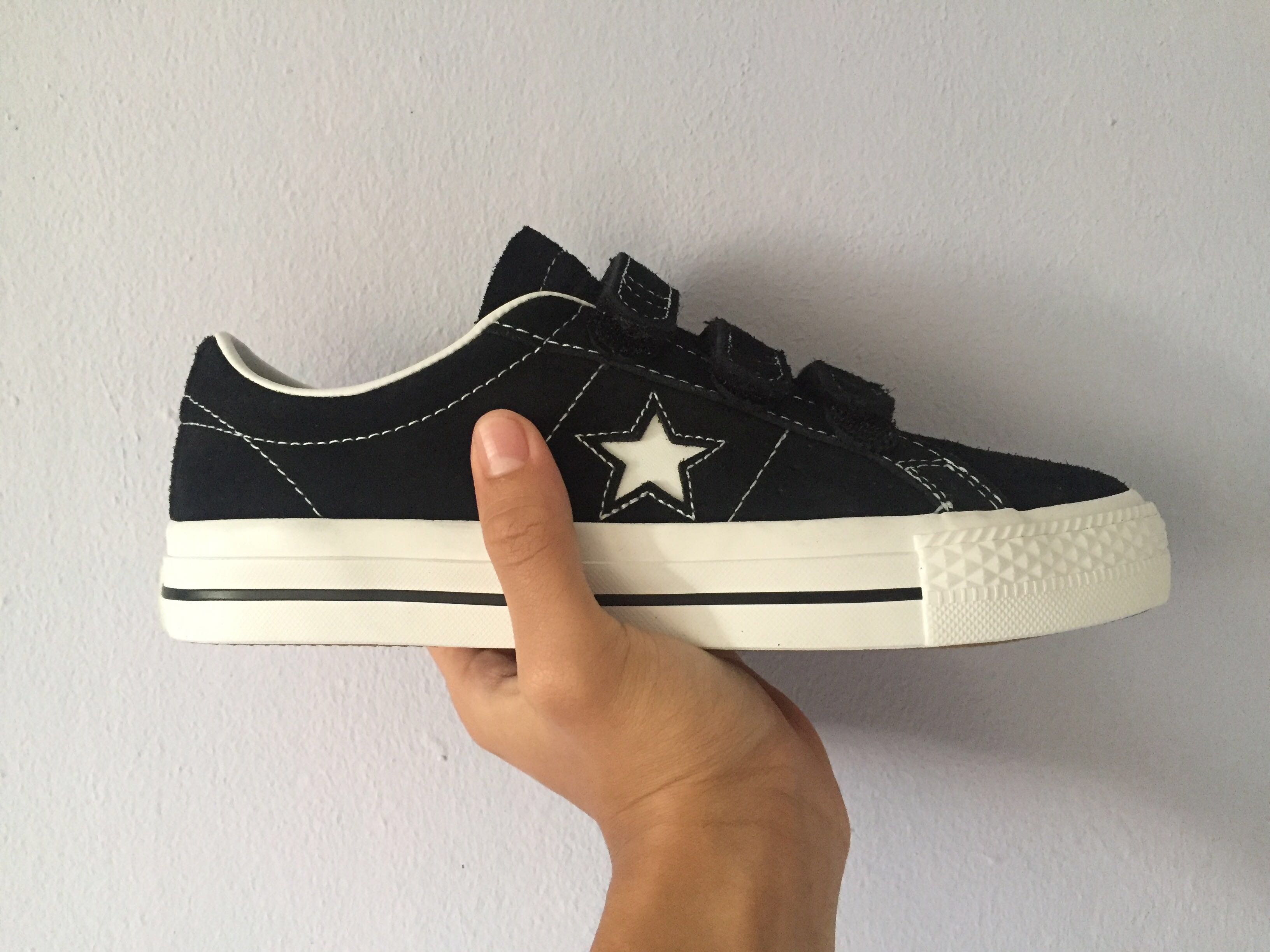c514cce36ee Brand New CONVERSE One Star Pro 3V
