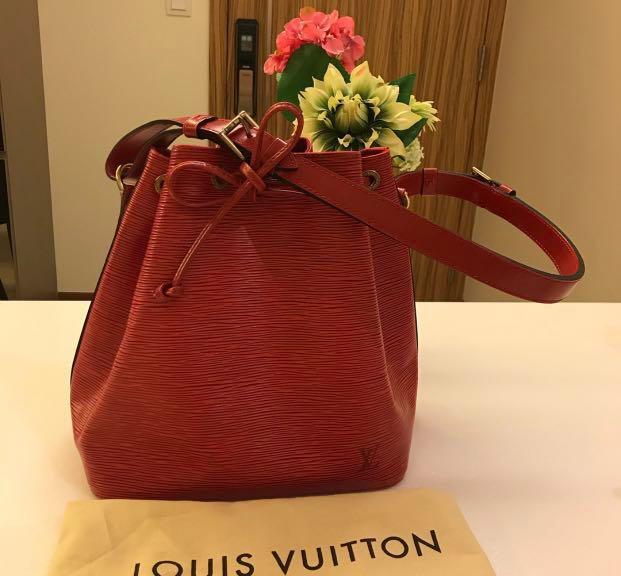 e0c157139c20 Louis Vuitton Petit Noe