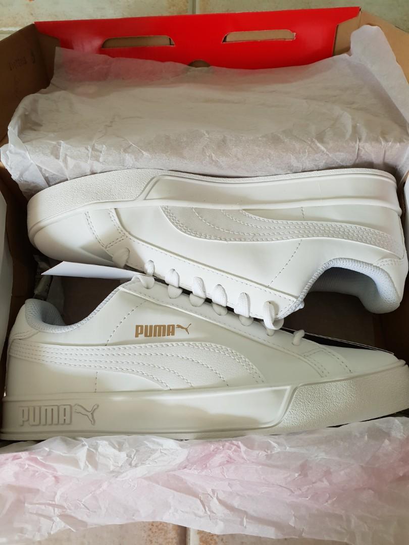 san francisco f3d73 abff6 Puma Smash Vulc White, Women's Fashion, Shoes, Sneakers on ...