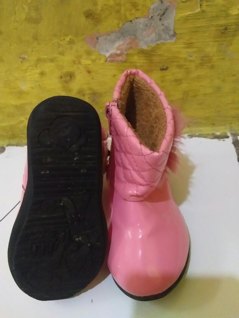 Sepatu jungle anak perempuan preloved
