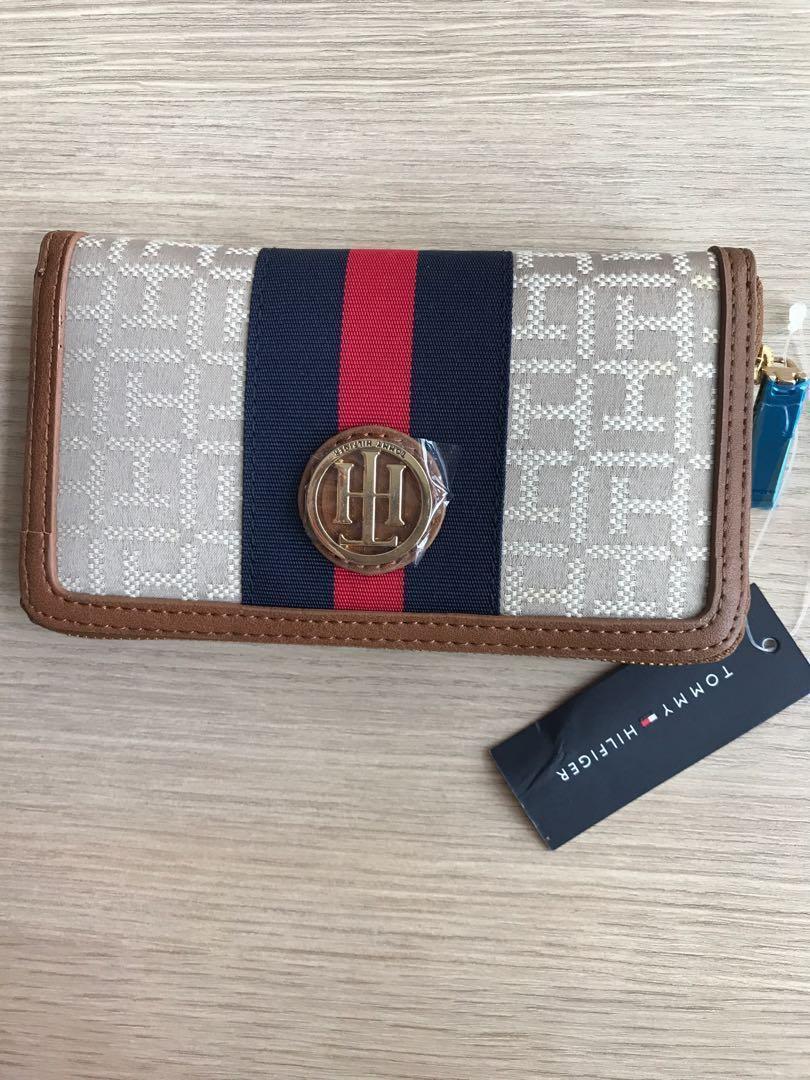 4d29de45a9c Tommy Hilfiger wallet, Women's Fashion, Bags & Wallets, Wallets on ...