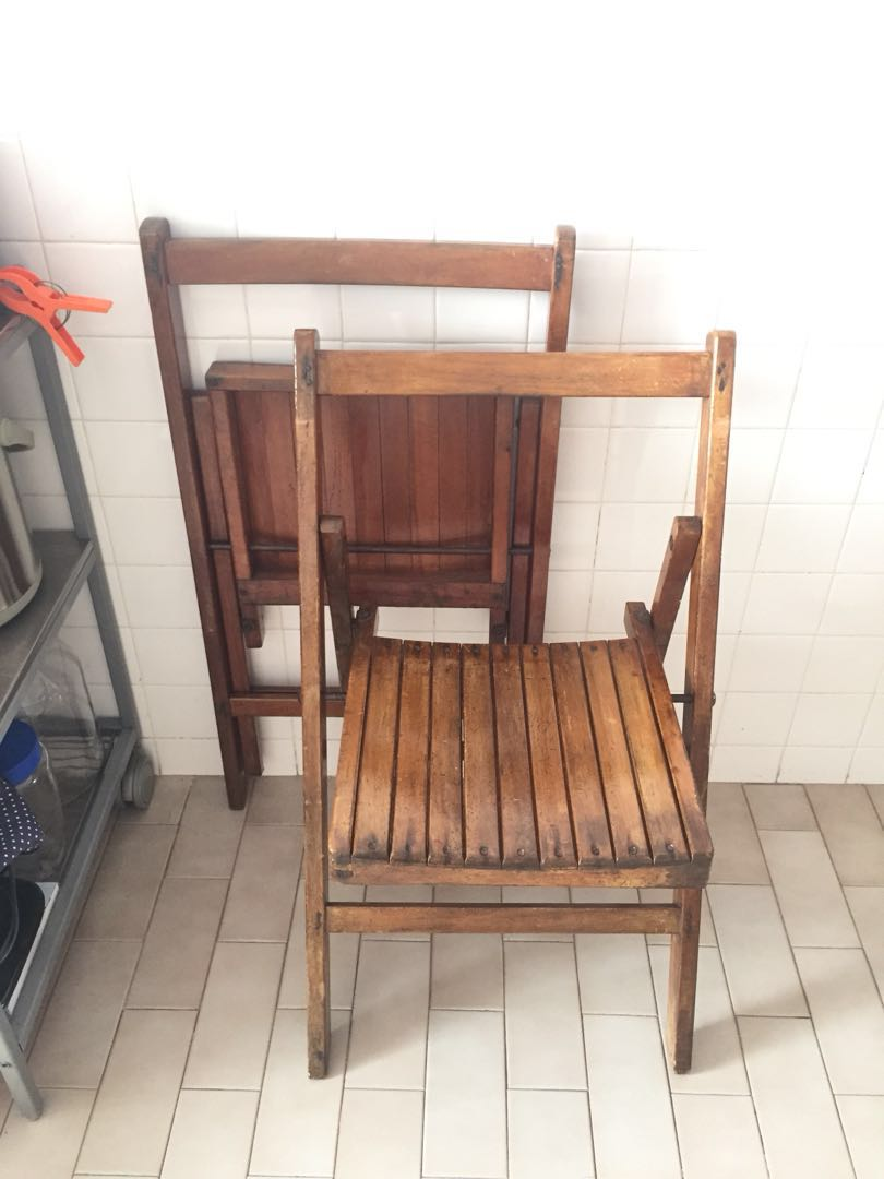 Vintage 2 Wooden Folding Chair