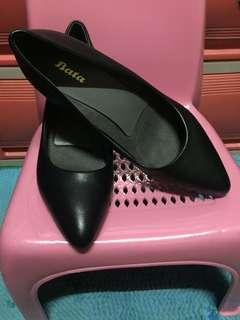 Bata black shoes size 6