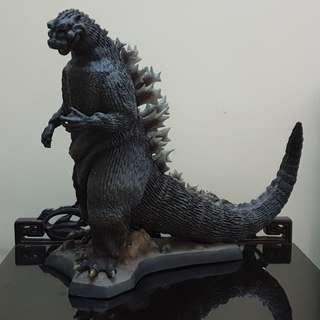 X-Plus Godzilla King of Monster 1954 Collector Resin Statue (Yr2002)