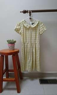 yellow collared dress size 6