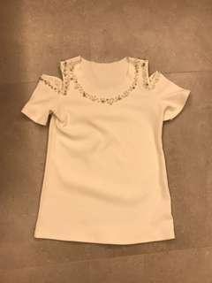 白色上衣white top