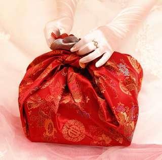 Wedding guo da li cloth carrier