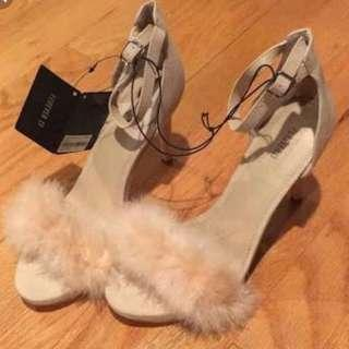 Fluffy feather nude/ beige stiletto heels