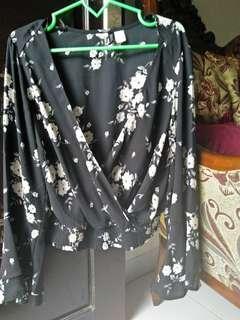 Hnm wrap blouse