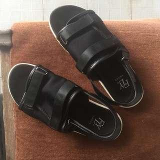The fly black sandals sz 40