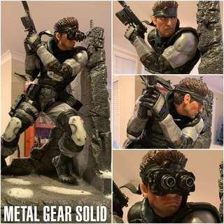 🚚 First 4 Figures Metal Gear Solid Snake Statue Exclusive