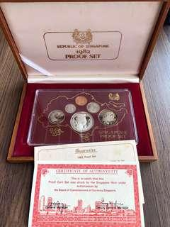 N145 - Singapore 1982 Proof Coin Set