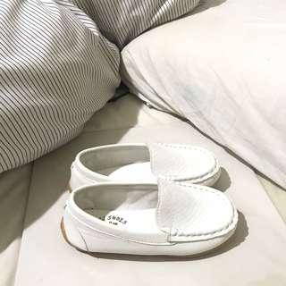 🚚 BN White Loafers EUR29
