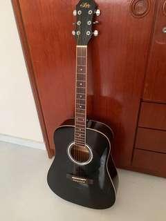 Aria Guitar w GatorCase and Tuner