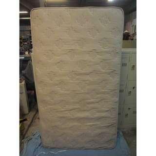 【尚典中古二手家具】中古單人床墊(二手床墊)米白單人獨立筒床墊
