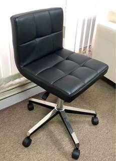 Office Chair (only 1 left) 辦公室椅子 (只剩一張)