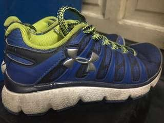 Underarmour rubber shoes for boys