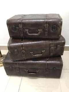 Antique suitcase/storage (set of 3)