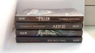 The Fallen (Thomas E. Sniegoski) 1 Bundle