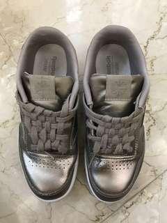 Girl's Reebok Ortholite shoes