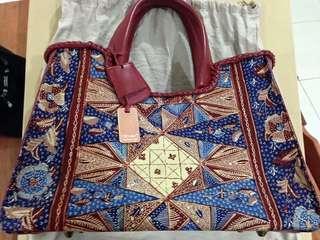 Putri Tote Bag by Pribumi